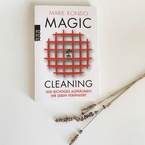 Magic Cleaning in German Coffee Table Book